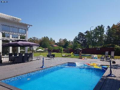 LUXURY VILLA STHLM WITH POOL